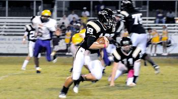Berwick's Jeremy Boudreaux runs against Jeanerette during Friday's contest. The Berwick Panthers picked up their second consecutive win with a 47-20 victory against the Jeanerette Tigers in Berwick. Boudreaux rushed for 67 yards in the contest. Berwick will begin district play Thursday when it travels to face Franklin.